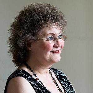 Ms Christine Burns