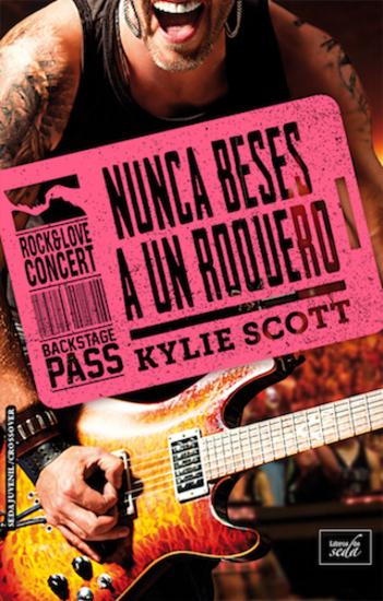 NUNCA BESES A UN ROQUERO (Stage Dive-4) - cover