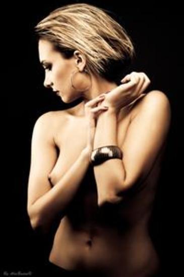 Naked Bare Nude – exhibitionistische Frauen präsentieren ihre Reize 1 - cover